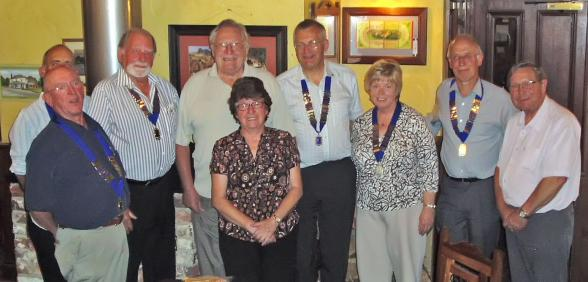 Presidents from Zone 4k pictured with Lions Eric & Stella Bowyer from Australia.