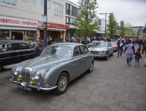The crowds in Queensmead enjoy the vintage cars at the Farnborough Classic Motor Vehicle Show